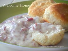 I love creamed chipped beef and make it for breakfast often. I love it over toast or just plain bread and even ov. Cream Chipped Beef Recipe, Creamed Chipped Beef, Creamed Beef, Frozen Biscuits, Biscuits And Gravy, Buttermilk Biscuits, Buttermilk Recipes, Breakfast Dishes, Breakfast Recipes