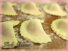 Spinach Ravioli, pre made. With Olive Oil and Sage. Italian Dishes, Italian Recipes, Tasty, Yummy Food, Dinner Dishes, What To Cook, International Recipes, I Love Food, Just Desserts