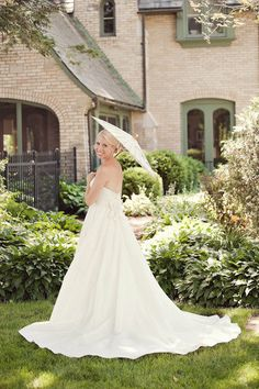 bridal and parasol. Photography by turnercreative.net