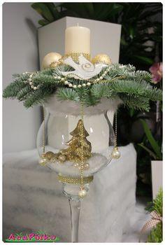 Stroiki Bożonarodzeniowe Christmas Open House, Gold Christmas, Diy Christmas Gifts, Christmas Time, Christmas Decorations, Christmas Ornaments, Winter Centerpieces, Festive Crafts, Christmas Arrangements