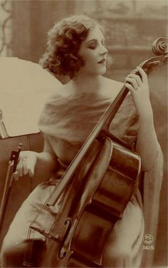 At Gatsby's parties he had a live band with violin players and other instrumentalists.