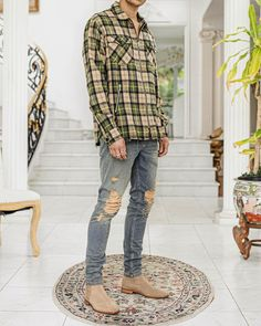 Tan Chelsea Boots, Chelsea Boots Outfit, Mens Fashion Wear, Mens Fashion Blog, Men's Fashion, Mens Style Guide, Men Style Tips, Classic Tan, Clothing Hacks