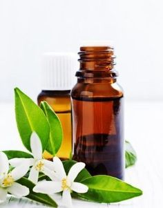 Looking for the best essential oil for tightening skin? Discover how to use essential oils to tighten skin.Oils to tighten sagging face, and wrinkle Essential Oils For Face, Geranium Essential Oil, Essential Oil Uses, Frankincense Oil For Skin, Frankincense Essential Oil, Cypress Oil, Sagging Skin, Skin Care Treatments, Living Oils