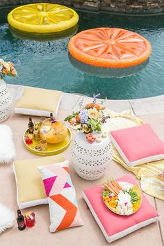 Tips for Planning the Perfect Pool Party! Tips for Planning the Perfect Pool Party! - Sugar and Charm - sweet recipes - entertaining tips - lifestyle inspiration - like the citrus floating disc Festa Party, I Party, Party Time, Party Ideas, House Party, Party Stuff, Pool Party Birthday, Birthday Ideas, Grill Party