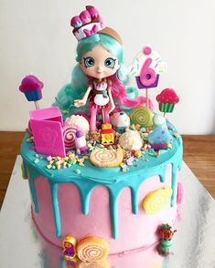 Plan the perfect Shopkins birthday party for your little one with these 21 Adorable Shopkins Party Ideas that will be the talk of the town! Bolo Shopkins, Fete Shopkins, Shopkins Birthday Cake, Birthday Cake Girls, Shopkins Party Ideas, 5th Birthday, Birthday Cakes, Birthday Ideas, Pastel Shopkins