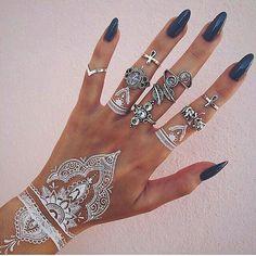 white henna & rings
