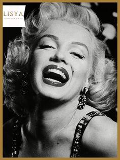 #Mutlu bir yıl için gülümseyin; #mutluluk bir çığ gibi #büyüyerek çoğalır. #lisyaileisildayin
