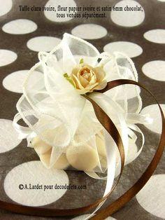 Retrouvez notre large gamme de couleurs de tulle légère : blanc - ivoire - chocolat - turquoise - jaune - vert anis - orange -chocolat - parme ! #boites #dragees http://www.decodefete.com/tulles-clara-ivoire-pi-2152.html?invis=0