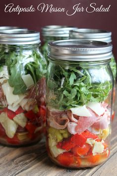 Delicious Make-ahead Antipasto Mason Jar Salad 347 calories and 9 weight watchers points