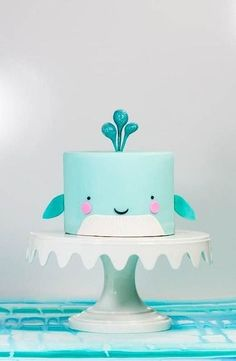 Whale cake // kids party food ideas