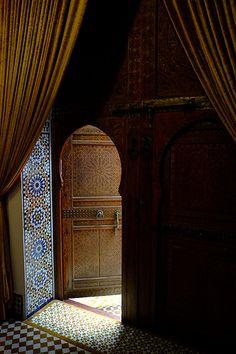 Door, Fes, Morocco  √