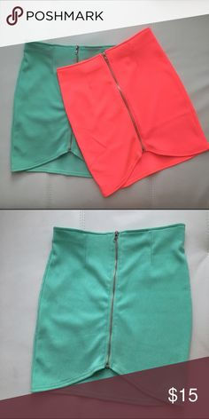 Teal skirt S Brilliant color that matches cutely with any crop top! Tobi Skirts Pencil