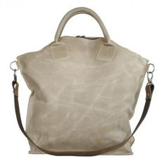 """""""Daddy cool"""" from """"Ellen Truijen"""" can be used as a x-large bag or weekender."""