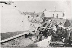 The 17 pounder Anti-Tank Guns at Operation Market-Garden - 1944 Operation Market Garden, Guns, Ww2, British, Painting, Weapons Guns, Painting Art, Paintings, Revolvers