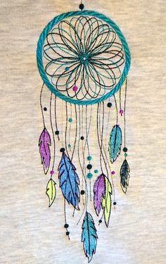 Motif broderie machine Attrape-rêves - Brodeuses et couturières Quilting Designs, Machine Embroidery Designs, Thread Catcher, Sewing Machine Thread, Motif Design, Pencil Drawings, Scrap, Textiles, Quilts