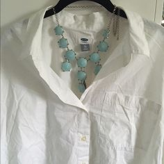 OLD NAVY white 100% cotton shirt NWT Lightweight and very comfortable Old Navy Tops Blouses