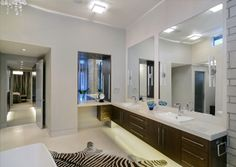 Contemporary ensuite by Johnson & Associates Interior Design