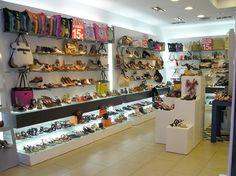 Footprint shoe shop display in Madrid