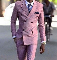What a stunning double breasted suit! Sharp Dressed Man, Well Dressed Men, Mens Fashion Suits, Mens Suits, Male Fashion, Pink Suits For Men, Style Gentleman, Designer Suits For Men, Men With Street Style