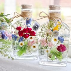 Crafts To Do, Diy Crafts, Stone Rug, Light Bulb Crafts, Flower Bottle, Spa Gifts, Pallet Art, How To Preserve Flowers, Resin Crafts