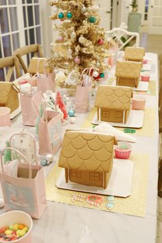 Gingerbread House Decorating Party + FREE Printables for the perfect holiday bir. - Gingerbread House Decorating Party + FREE Printables for the perfect holiday birthday party idea or - Gingerbread House Parties, Christmas Gingerbread House, Family Christmas, Christmas Holidays, Merry Christmas, Gingerbread Houses, Christmas Ideas, Childrens Christmas, Christmas Post