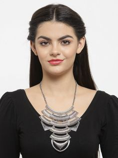 This Charming Neckpiece Is Neat And Simple For Those Who Wish For Fashion Jewelry Collection. Match This Jewelry With Any Of Your Outfit And Flaunt Your Style. Fashion Jewelry Stores, Metal Necklaces, Jaipur, Animal Kingdom, Party Wear, Jewelry Collection, Metallic, Jewellery, Jewelery