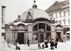 This elegant edifice was the original entrance to the Millennium Underground (nowadays yellow metro line built Deák Square - Budapest, Hungary. Vintage Architecture, Classical Architecture, Amazing Architecture, Capital Of Hungary, In Another Life, Old Money, Transport Museum, Public Transport, Most Beautiful Cities