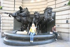 Nice statue of horses?