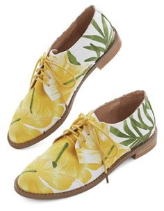 tropical canvas flats http://rstyle.me/n/hqgpnr9te