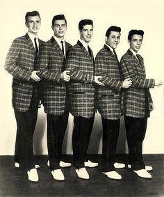 1950s Fashion for Teens: Sports jacket, white shirt, skinny tie (Jessica S.)