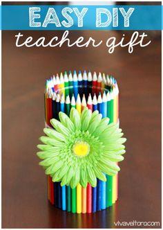 Easy #DIY Teacher Gift - Colored Pencil Vase