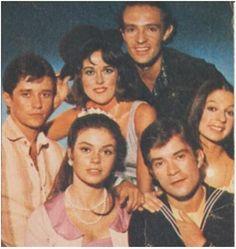 ESTUPIDO CUPIDO-1976-novela de Mario Prata- produzida e exibida pela Rede Globo- foto de parte do elenco no dia de gravação do ultimo capitulo a cores-com NEY LATORRACA - DJENANE MACHADO- FRANÇOISE FURTON - RICARDO BLAT-JOAO CARLOS BARROSO e ...
