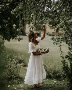 Summer Outfits, White Dress, Flower Girl Dresses, Feminine, Style Inspiration, Fashion Outfits, My Style, Wedding Dresses, Pretty