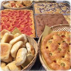 e per chi preferisce la #colazione salata... #pizza #focaccia #lievitomadre #pane #carcere #torino #turin #torinofoodporn #photooftheday #pmv #pastamadre #figlidipastamadre #foodporn #breadporn #italianbread #madeinitaly #igerstorino #breadpower #italiaintavola #instabread #realbread #organicfood #levain #sordough #sordoughbread #artisanbread #bakery #bakerylife #italy