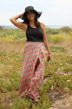 Tulip wrap maxi skirt pattern hack for New Look 6456 (Sew Country Chick- DIY fashion and style) Maxi Skirt Winter, Diy Maxi Skirt, Fashion Fabric, Diy Fashion, Beach Ready, Diy Clothes, Fabric Design, New Look, Sewing