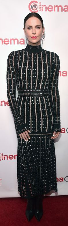 OutfitID – The user generated fashion dictionary of what celebrities wore and where to get it. Jennifer Hudson, Jennifer Connelly, Charlize Theron Style, Alexander Mcqueen Shoes, Christina Applegate, Fashion Dictionary, Rachel Bilson, Zoe Saldana, Kate Bosworth