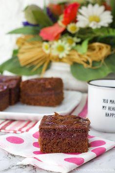 La torta versata al cacao è un dolce da credenza, molto semplice da preparare, perfetto per la colazione o la merenda. Scopri la ricetta, è facile e veloce! #PinterestxAltervista
