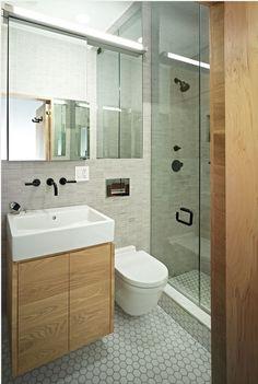 6 DESIGN TIPS TO MAKE A SMALL BATHROOM BETTER http://maisonvalentina.net/blog/6-design-tips-to-make-a-small-bathroom-better/ #smallbathroom #bathroomideas #bathroomdesign #luxurybathroom