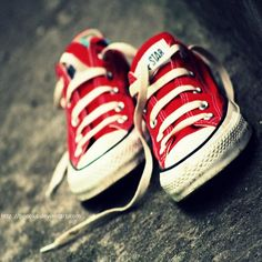 Red Converse - i legit need these.