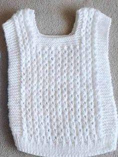 Pechitos Chalecos Bebe Recien Nacido Tejido A Mano - $ 150,00 en Mercado Libre Baby Cardigan Knitting Pattern, Knitted Poncho, Baby Knitting Patterns, Baby Sweaters, Girls Sweaters, Crochet Baby, Knit Crochet, Knitting Basics, Baby Dress