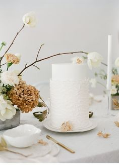 Clean and modern Spring Wedding Inspirations by Fine Moments and Melanie Nedelko - Amber & Muse Fall Wedding Cakes, Elegant Wedding Cakes, Beautiful Wedding Cakes, Gorgeous Cakes, Wedding Cake Designs, Wedding Desserts, Wedding Cupcakes, Wedding Blog, Wedding Ideas