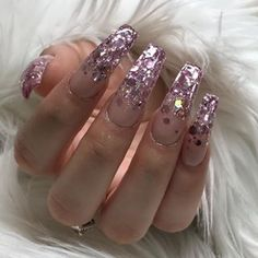 New glitter mix...if you want this looks ask for number 21. Nails for @brittneyagosto shines bright like a diamond #glitternails #805nails
