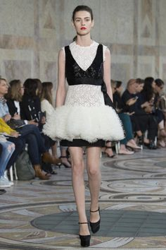 Giambattista Valli  #VogueRussia #couture #fallwinter2017 #GiambattistaValli #VogueCollections