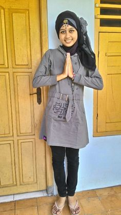 "Foto-foto Fitria Nurhabiba Agustine. Bejijong-Kedungwulan, Trowulan, #Mojokerto, Jawa Timur.   Peserta Lomba Foto Mutif 2015 Kategori ""Mutif Fotogenic Contest"" #MutifFotogenicContest #BusanaMuslim #Fashion #FashionMuslim #ModelMutif #FotoModel #MuslimInspiratif #LombaFoto #MuslimahIndonesia www.mutif.co - www.mutif.id"