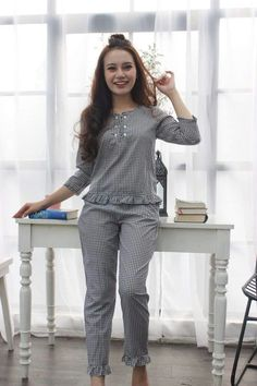Night Suit For Girl, Night Dress For Women, Cute Sleepwear, Girls Sleepwear, Simple Frock Design, Simple Frocks, Pijamas Women, Pajama Outfits, Girls Fashion Clothes
