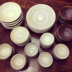 坂本正美窯のもの。4寸すり鉢以外はみんな飛びカンナ模様。厚みがあってぽってりしています。 - @sono_mono- #webstagram