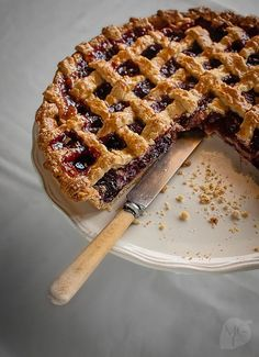 A luscious and traditional cherry pie made with delicious Spanish cherries