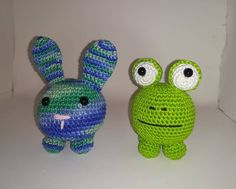 Cqt toy amigurumi with catnip Bunny or frog Handmade crochet Yarn cotton Stuffing polyester + catnip Safety eyes Crochet Cat Toys, Crochet Yarn, Homemade Cat Food, Family Furniture, Owning A Cat, Kittens, Cats, Fluffy Cat, Cat Grooming