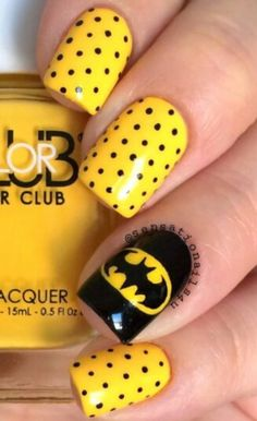 Another one to surprise the boyfriend. Simple Batman Nails