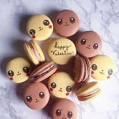 Cute and lovely Easter macarons 🐥🐰 Credit . Swipe to the left to see all the pictures 💛💛💛 . Are you going to bake… Cute Snacks, Cute Desserts, Cute Food, Dessert Recipes, Macaron Flavors, Macaron Recipe, Pokemon Party, Pokemon Birthday, Kreative Desserts